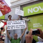 Les clients lésés du groupe GES manifestent contre la tromperie bancaire au Portugal