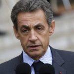 Sarkozy est officiellement candidat et reçoit des élus à son QG parisien