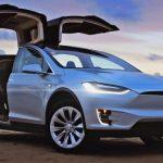 Le constructeur de voitures électriques Tesla face aux doutes