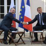 Cordialité affichée entre Poutine et Macron